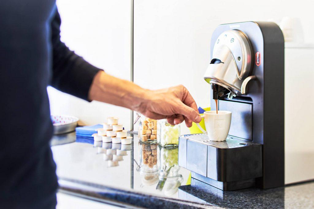 Espresso-Maschine in Wartezimmer